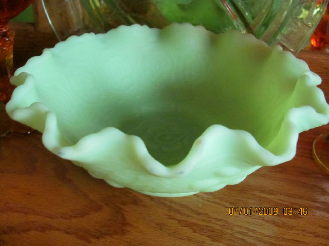 FENTON vaseline milk glass w/decoration