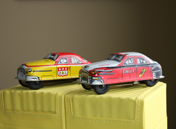 Pair Lupor FBI 33 & Fire Chief 31 Metal Cars