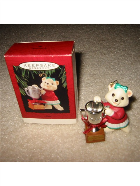 Hallmark Ornament -- MOM 1994