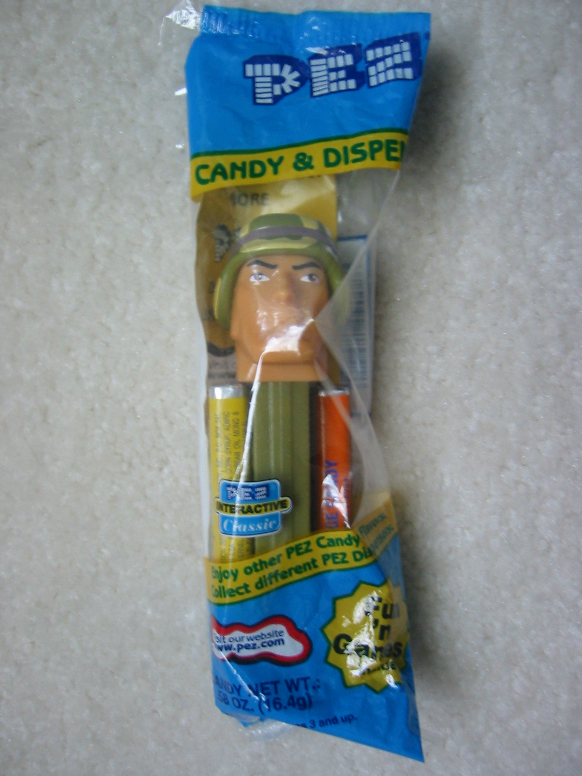 Emergency Heroes Pez - Army Soldier (MIB)